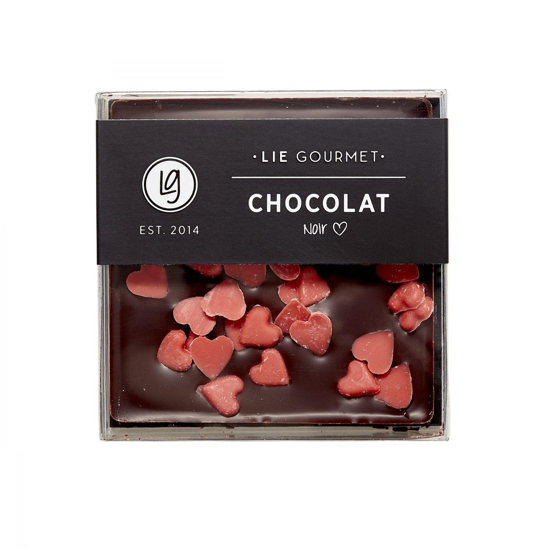 Donkere chocolade met rode hartjes